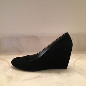 Bandolino Wedge Heels Size 6.5 (Lightly Worn)